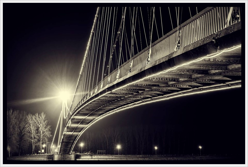 Tome Grbeša - Pedestrian bridge by night, Osijek, Croatia